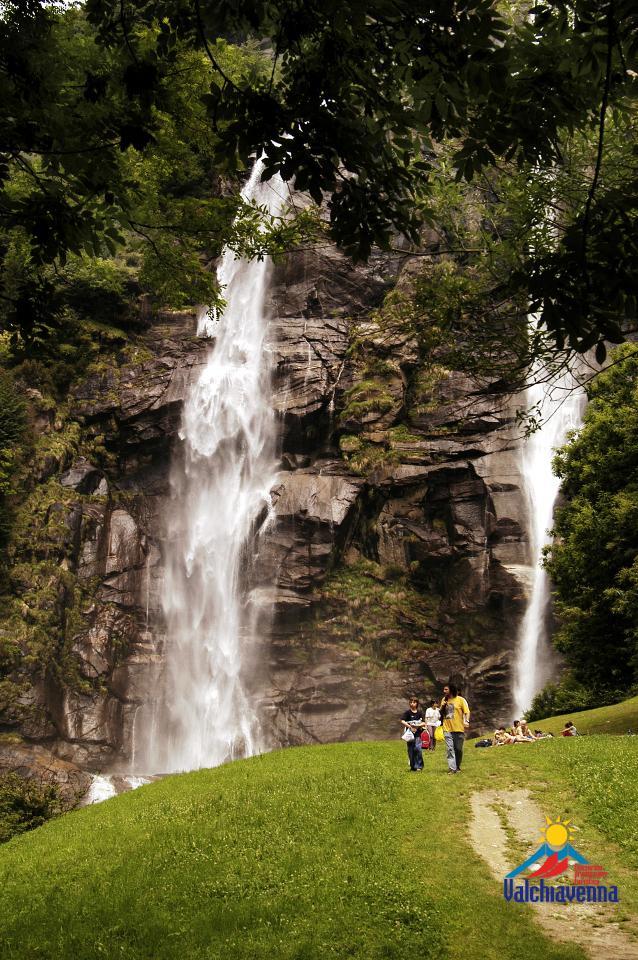 cose da fare a Campodolcino cascate acquafraggia