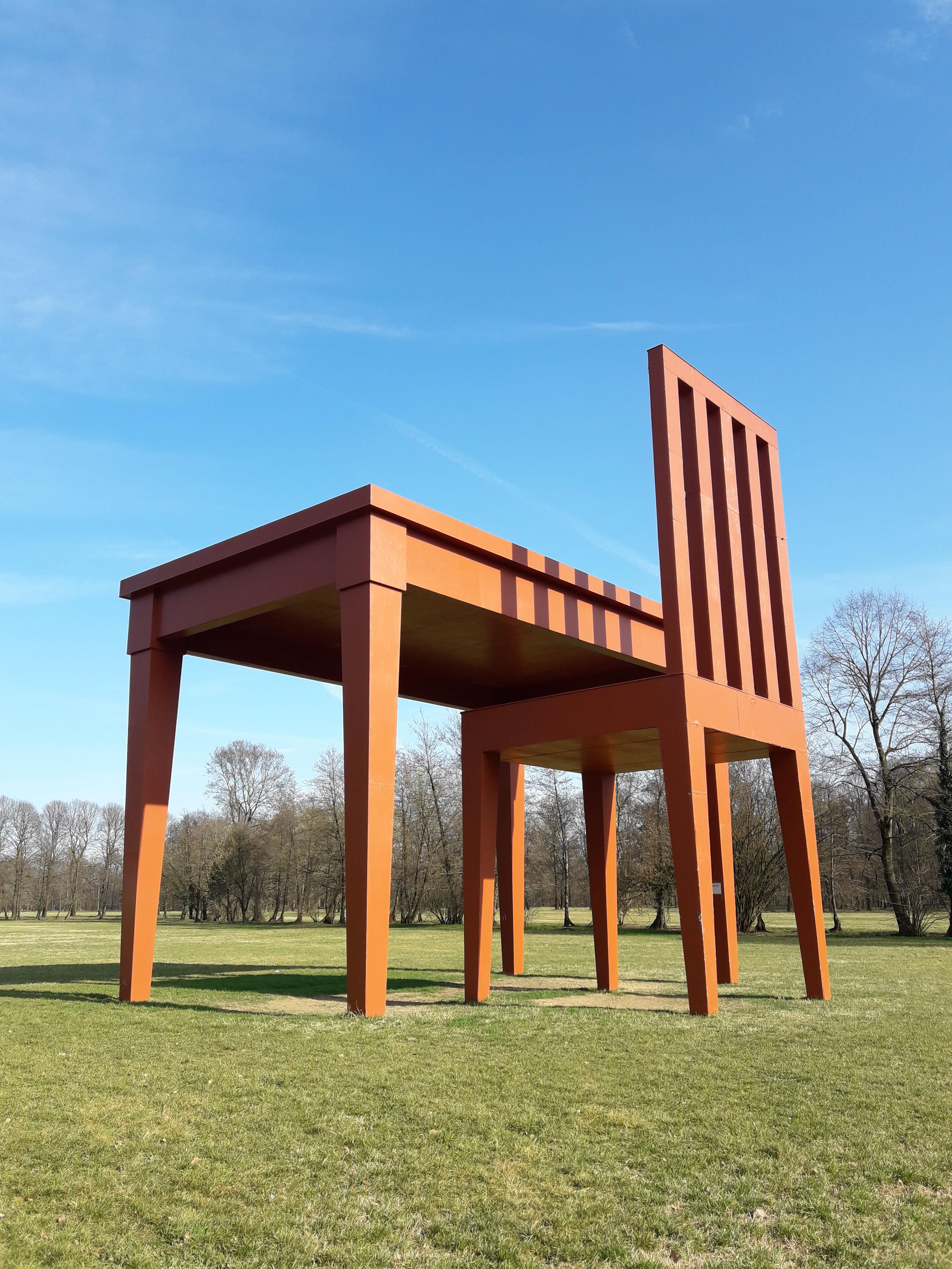 """Passeggiata culturale al Parco di Monza,l'opera """"lo scrittore"""""""