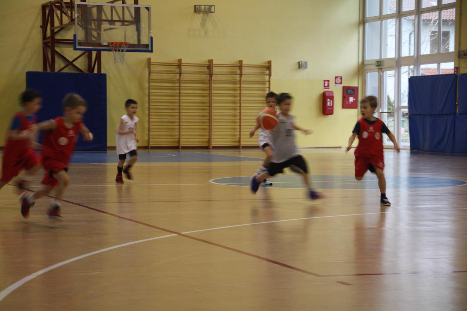 Basket per i bambini, la partita