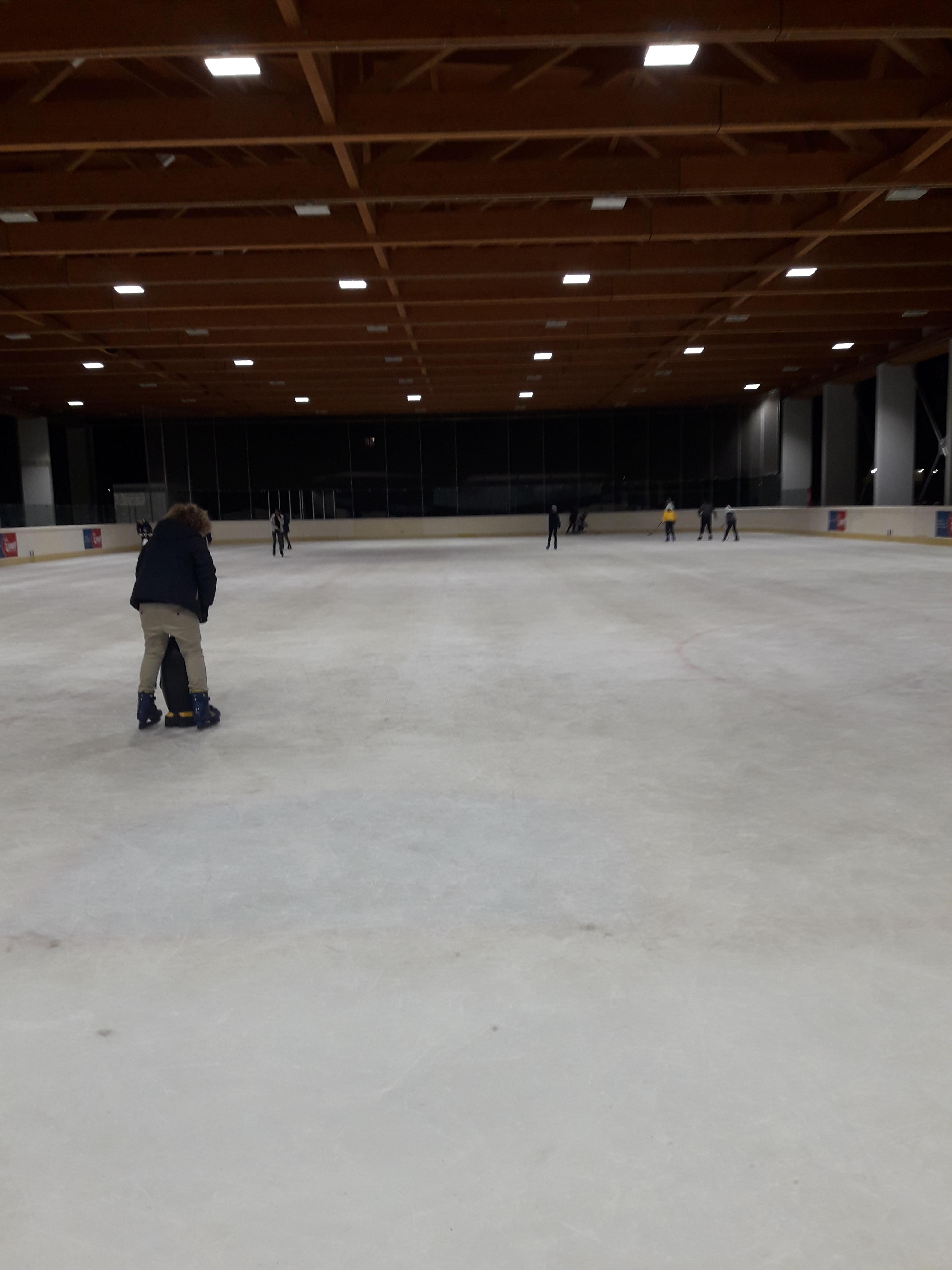 Cosa fare a Madesimo in inverno, pattinare sul ghiaggio