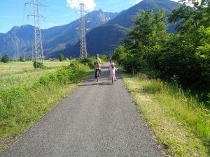 La ciclabile della Valchiavenna coi bambini, la pista