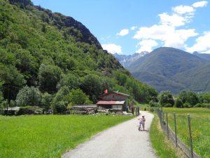 La ciclabile della Valchiavenna coi bambini,la salita