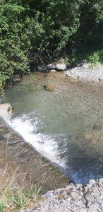 Rinfrescarsi nel torrente alle pozze di Bonacina