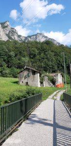 Rinfrescarsi nel torrente alle pozze di Bonacina:il ponte di cemento