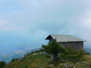 Chiesetta di San Sfirio nell'escursione al Monte Legnoncino