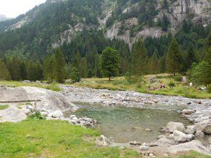 passeggiata in Val di Mello coi bambini:il torrente