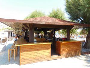 Dove dormire a Lindos: bar della spiaggia del Sun Beach Lindos