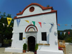 Visitare la Valle delle Farfalle; il Monastero di Kalopetra