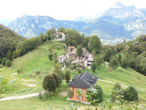 vista sull'antico borgo durante l'escursione
