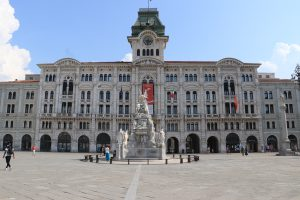 Viaggio in Croazia coi bambini, piazza unità d'italia a trieste