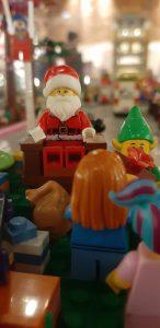 Babbo Natale di Lego alla mostra Lego City Booming a Monza