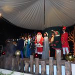 Staff di animazione al completo per la parata finale ad Aquaneva a Natale