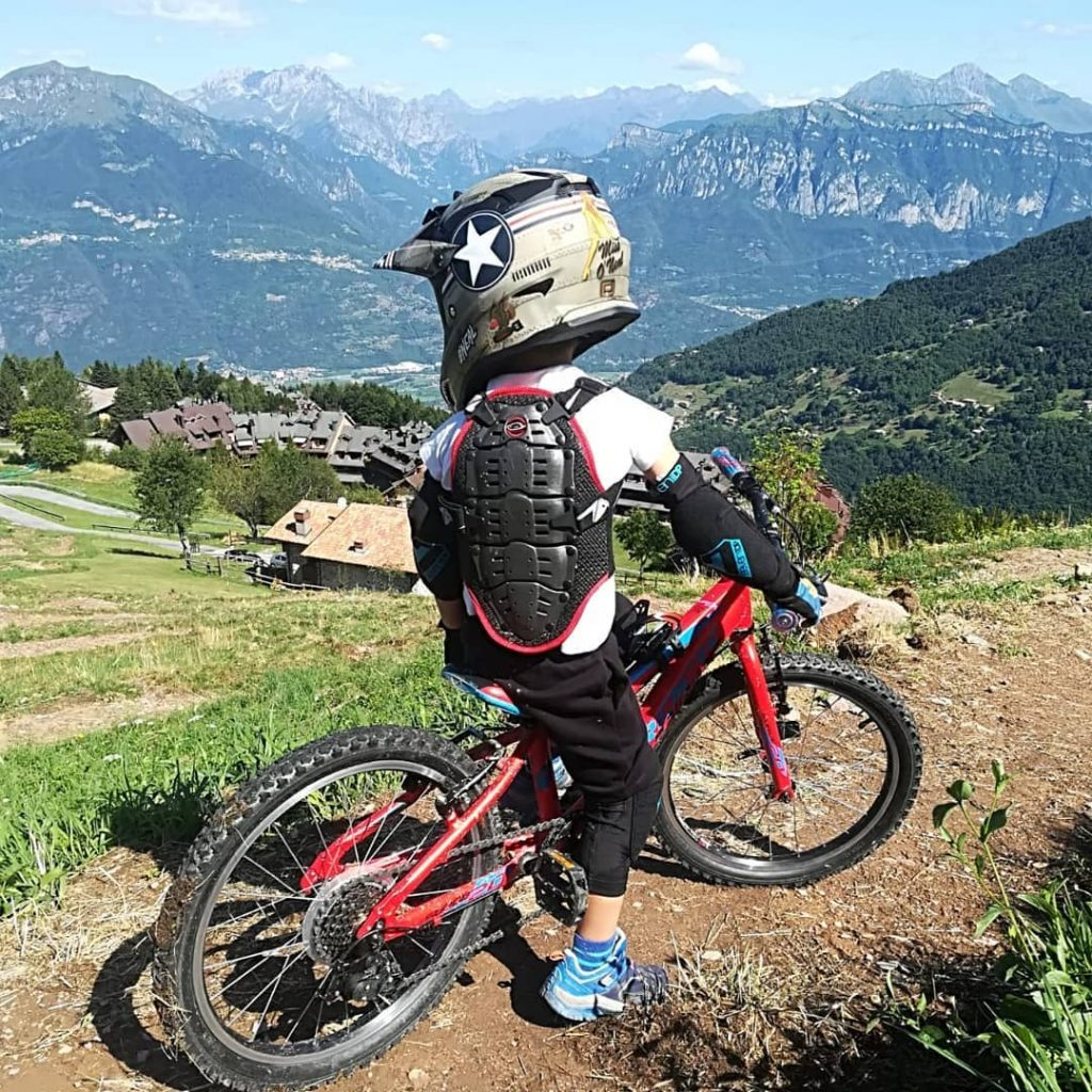 Luca a Montecampione : downhill per bambini